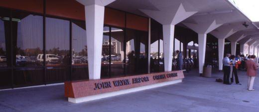 Santa Ana (SNA) Orange County Int'l Airport Limousines