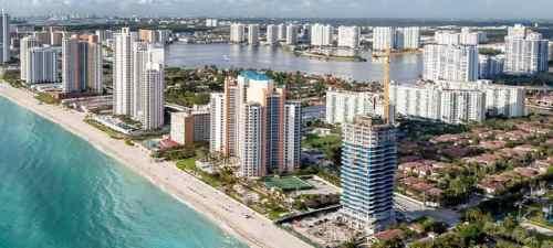 limo service in Sunny Isles Beach, FL